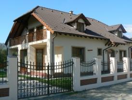CASĂ FAMILIALĂ - Brădeşti